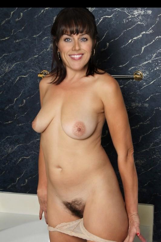 chelsea halfpenny nude