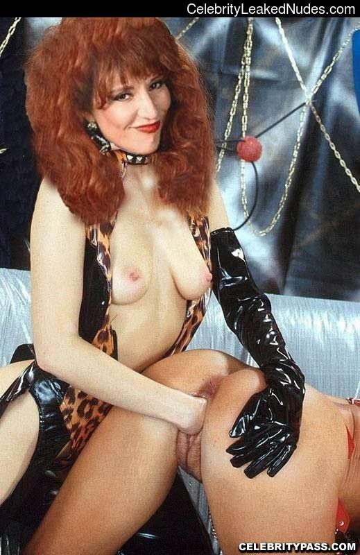 katey sagal found nude