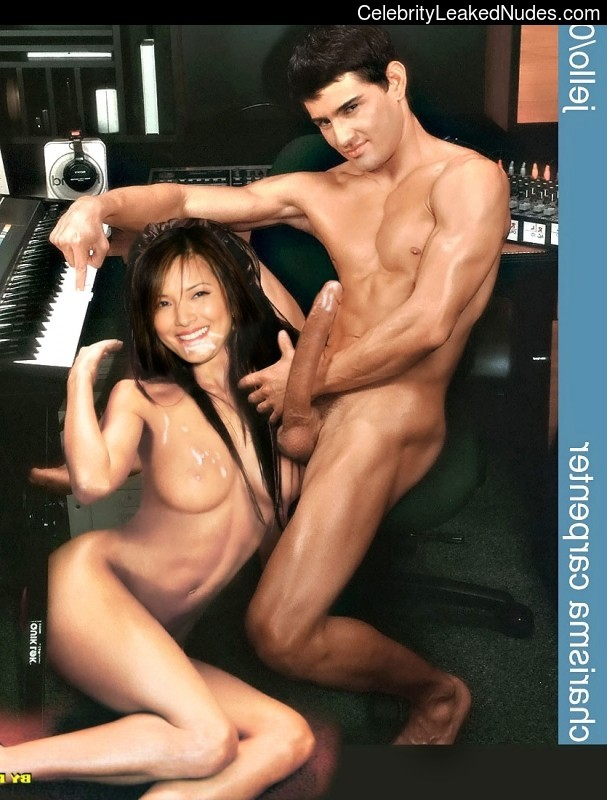 kelly hu in nude