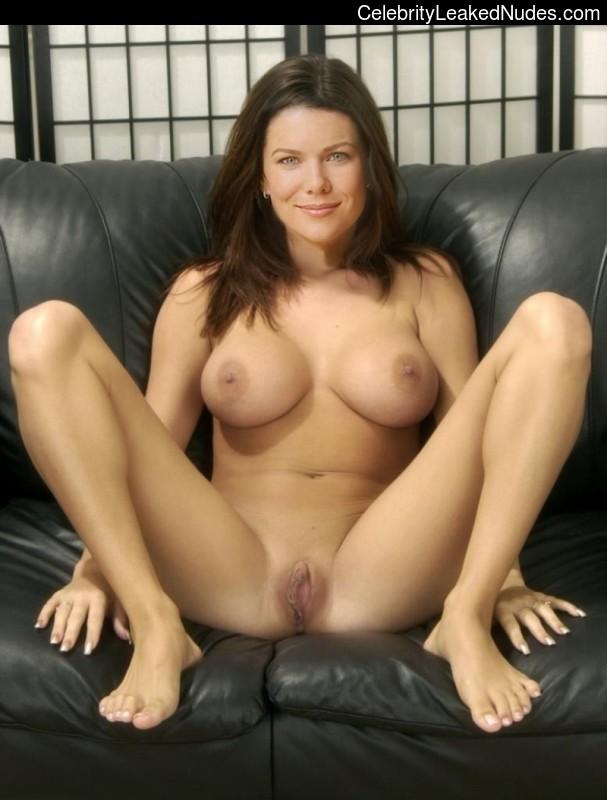 nude pics of lauren graham