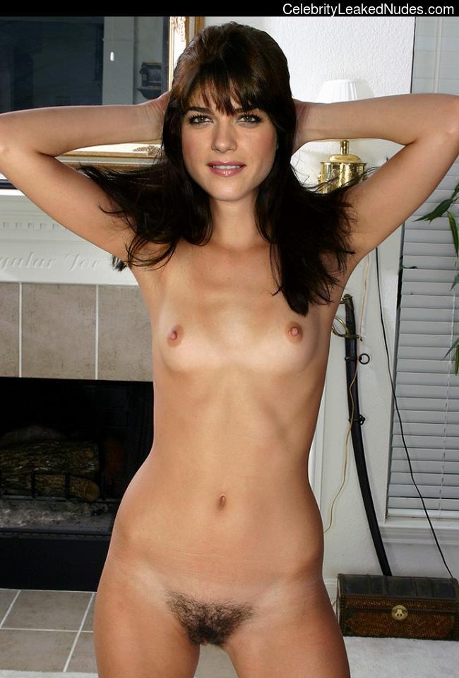 selma blair nude pics