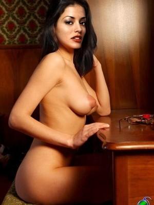 Larisa nackt Oleynik Celebrity Fakes